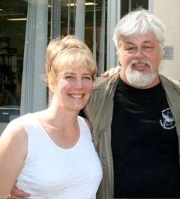 Jaya with Captain Paul Watson Fundraiser Singer2007